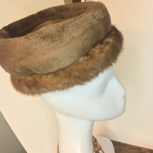 Vintage mink& possibly sable beehive(?) hat- 1950s